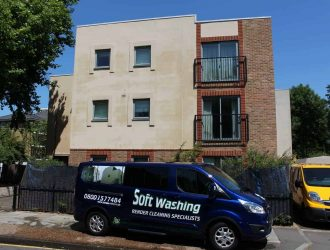 Wall_Softwashing_Services_London_www.purple-rhino.co.uk